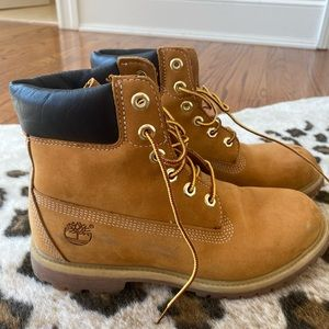 Worn once timberlands!!!